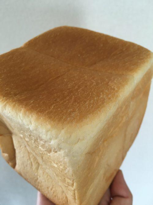 8月23日のこと 一本堂へ食パンを買いにいきました。