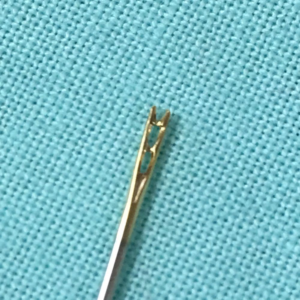 針穴に糸を通さない針があるんだ!!!と感動した『Clover セルフ針』