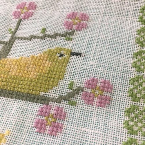 「花と遊ぶ鳥」フレメの図案より