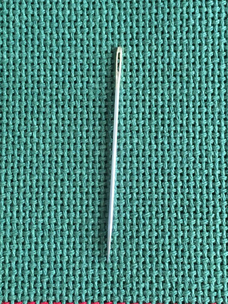 クローバーの刺し子針42.9ミリが私の試してみた中で暫定1位