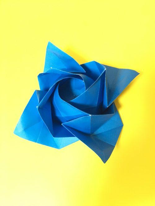 100均のセリアで53㎝四方の折り紙を見つけて感動!!