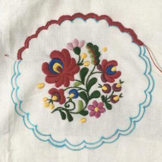 ハンガリー刺繍・ドイリー